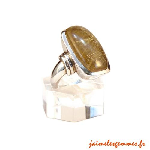 Bague rectangulaire en quartz rutile