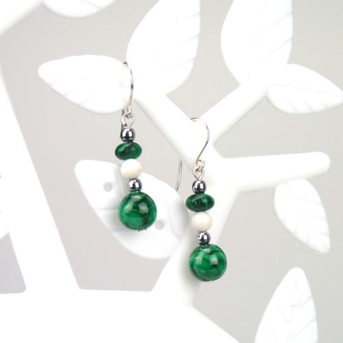 Boucles perles de malachite